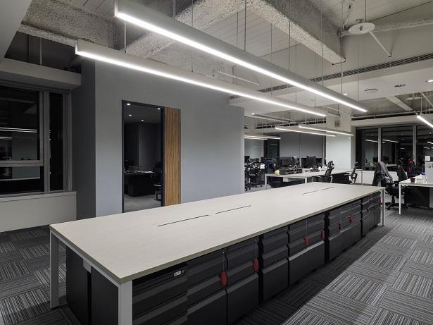 450坪商辦大樓辦公室安裝➡️多種尺寸規格滿足需求,可依案場實際面積規劃